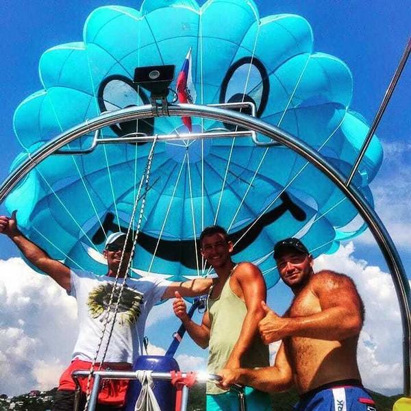наш радостный парашютик