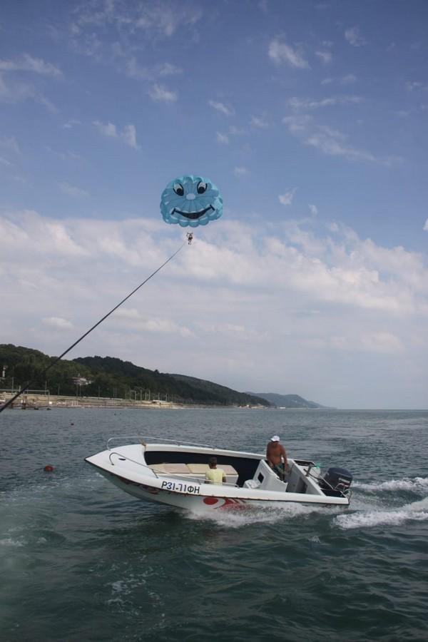 Парасейлинг в Лазаревском катер и парашют